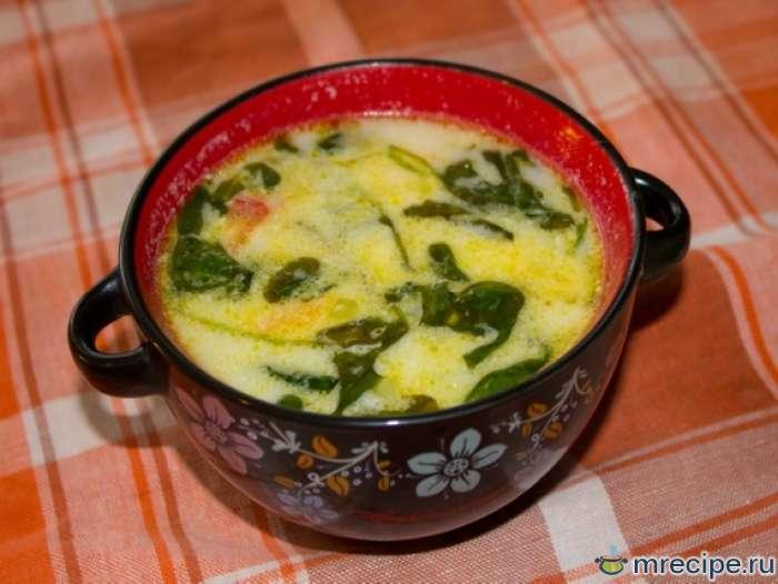 Сливочный суп из красной рыбы со шпинатом