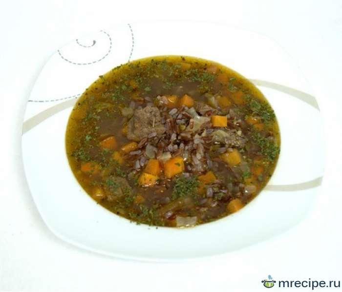Суп из красного риса с говядиной