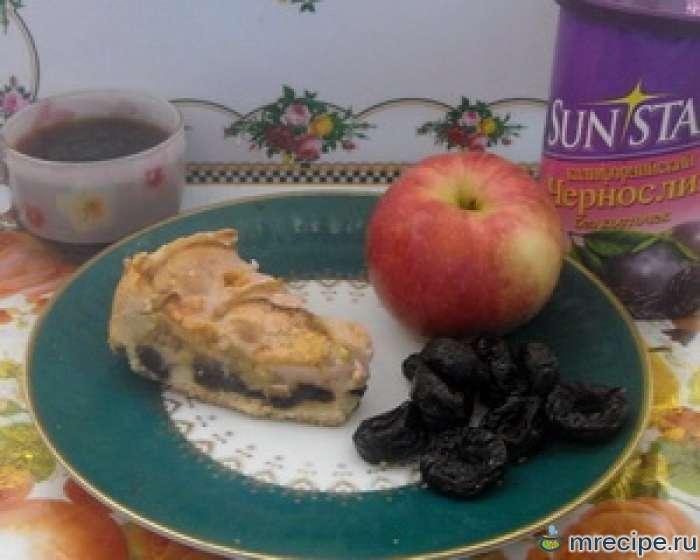 Яблочный пирожок с йогуртом