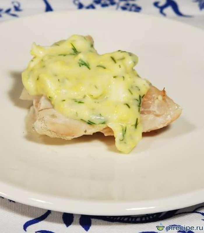 Рыба отварная под яично-масляным соусом