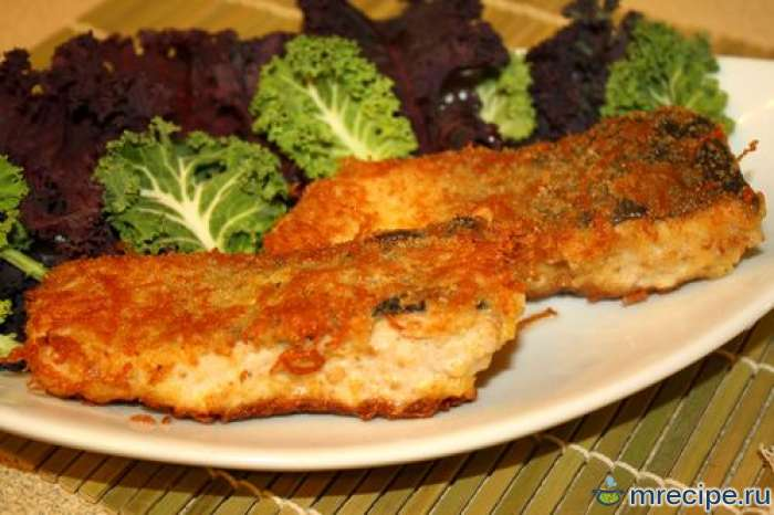 Рыба жареная в сухарях