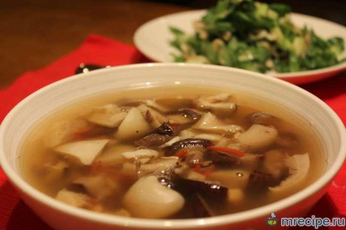 Пестрый суп из шампиньонов